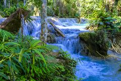 Mooi Kuang Si Waterfall in Laos Stock Foto's