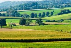 Mooi landbouwgrondlandschap royalty-vrije stock afbeeldingen