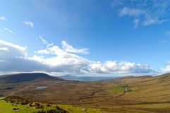 Mooi landelijk Iers de aardlandschap van het land van het noordwesten van Ierland stock foto's