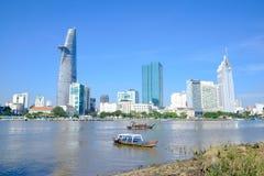 Mooi landschap in de ochtend van saigonrivier, Centrum van Ho-chi Minh City Stock Fotografie