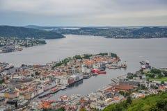 Mooi landschap en mening van Bergen, Noorwegen stock foto's