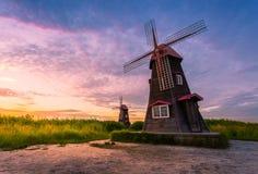 Mooi landschap en traditionele windmolens, incheon Zuiden Kor stock afbeelding