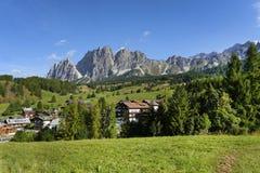 Mooi landschap met de Pomagagnon-berg, dichtbij Cortina-d'Ampezzo royalty-vrije stock foto