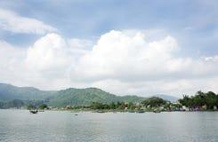 Mooi landschap met Phewa-meer Stock Fotografie