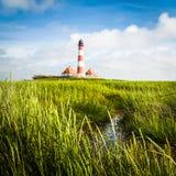 Mooi landschap met vuurtoren bij Noordzee, Duitsland Stock Afbeeldingen