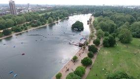 Mooi landschap rond Hyde Park, Londen, het Verenigd Koninkrijk stock footage