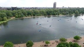 Mooi landschap rond Hyde Park, Londen, het Verenigd Koninkrijk stock video
