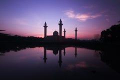 Mooi landschap tijdens zonsopgang bij de Moskee Maleisië van Bukit Jelutong Stock Afbeelding