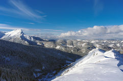Mooi landschap van de grote sneeuwbergpieken Royalty-vrije Stock Fotografie