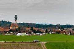 Mooi landschap van een dorp in Oostenrijk Stock Afbeeldingen