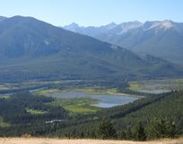 Mooi landschap van een vallei Van Alaska stock afbeeldingen