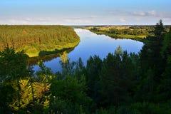 Mooi landschap van Nemunas-rivierlijn in Litouwen Stock Foto's