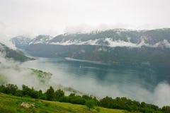 Mooi landschap van Noorse fjord Stock Foto