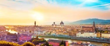 Mooi magisch optimistisch landschaps fabelachtig panorama o stock fotografie