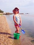 Mooi meisje bij het strand Royalty-vrije Stock Foto's