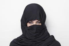 Mooi meisje dat een burqa draagt Stock Fotografie