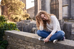 Mooi Meisje in de Oude Stad Royalty-vrije Stock Afbeeldingen