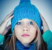 Mooi meisje in de winter Stock Afbeelding
