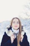 Mooi meisje in de winter Stock Fotografie