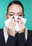 Mooi meisje die de symptomenconcept hebben van het de winter koud seizoen Royalty-vrije Stock Afbeeldingen