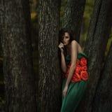 Mooi meisje in een geheimzinnige plaats Royalty-vrije Stock Foto