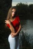 Mooi meisje in een sweater stock afbeeldingen