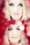 Mooi meisje en een helder licht Stock Afbeelding