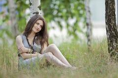 mooi meisje in het openlucht ontspruiten Royalty-vrije Stock Afbeeldingen
