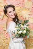 Mooi meisje in huwelijkstoga Royalty-vrije Stock Fotografie