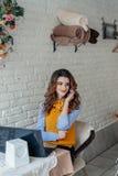Mooi Meisje in Koffie Royalty-vrije Stock Fotografie
