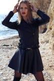 Mooi meisje met blond haar Stock Afbeeldingen