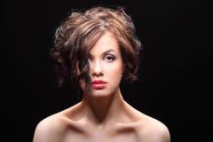 Mooi meisje met een litteken op gezicht en schouder Stock Afbeeldingen