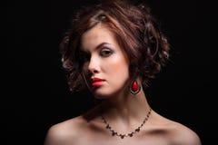 Mooi meisje met een litteken op gezicht en schouder Royalty-vrije Stock Afbeelding