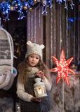 Mooi meisje met flitslicht Royalty-vrije Stock Afbeeldingen