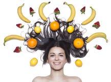 Mooi meisje met fruit royalty-vrije stock afbeeldingen