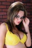 Mooi meisje met glazen stock foto