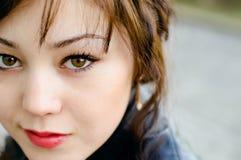 Mooi meisje met groene ogen Royalty-vrije Stock Foto's
