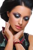 Mooi meisje met heldere levendige purpere en groene samenstelling stock foto's