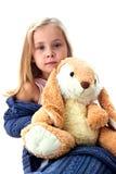Mooi meisje met konijntje Stock Foto's