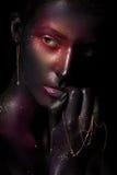 Mooi meisje met kunst ruimtemake-up op haar gezicht en lichaam Schitter Gezicht Royalty-vrije Stock Afbeeldingen