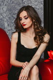 Mooi meisje met lang haar en slank cijfer in a Stock Afbeeldingen