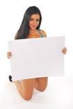 Mooi meisje met lege berichtraad Royalty-vrije Stock Foto