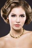 Mooi meisje met perfecte huid royalty-vrije stock afbeeldingen