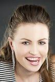 Mooi meisje met positieve gezichtsuitdrukking Stock Foto's