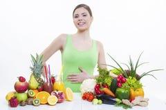Mooi meisje met vruchten en groentengezonde voeding Royalty-vrije Stock Foto's