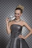 Mooi meisje met zilveren masker Royalty-vrije Stock Afbeelding