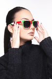 Mooi meisje met zonnebril Royalty-vrije Stock Foto's
