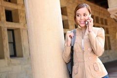 Mooi Meisje op de School van de Telefoon van de Cel royalty-vrije stock foto
