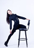 Mooi meisje op een stoel Royalty-vrije Stock Fotografie