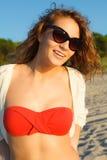 Mooi meisje op een strand Stock Foto